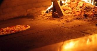 pečenje pizze